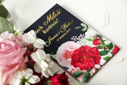Nasiona Ślubne - Podziękowania dla gości, złocone opakowanie z eleganckim bukietem z różowych piwonii, róż