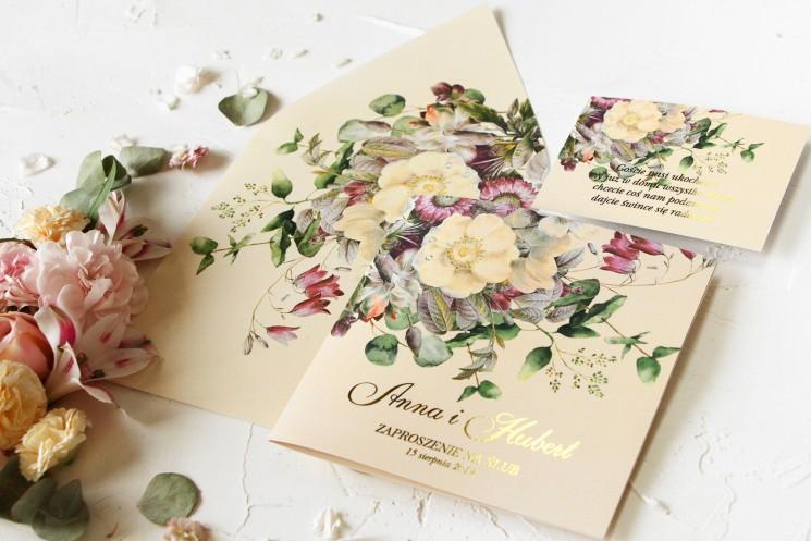 Delikatne zaproszenia ślubne z eleganckim bukietem w stylu vintage z różowymi kwiatami