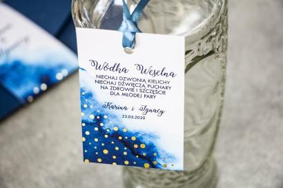 Granatowe, Ślubne Zawieszki na butelki na alkohol ze złoconymi kropeczkami