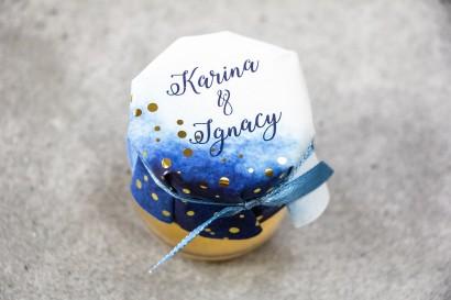 Słoiczek z miodem - słodkie podziękowanie dla gości weselnych. Granatowy kapture ze złoconymi kropeczkami