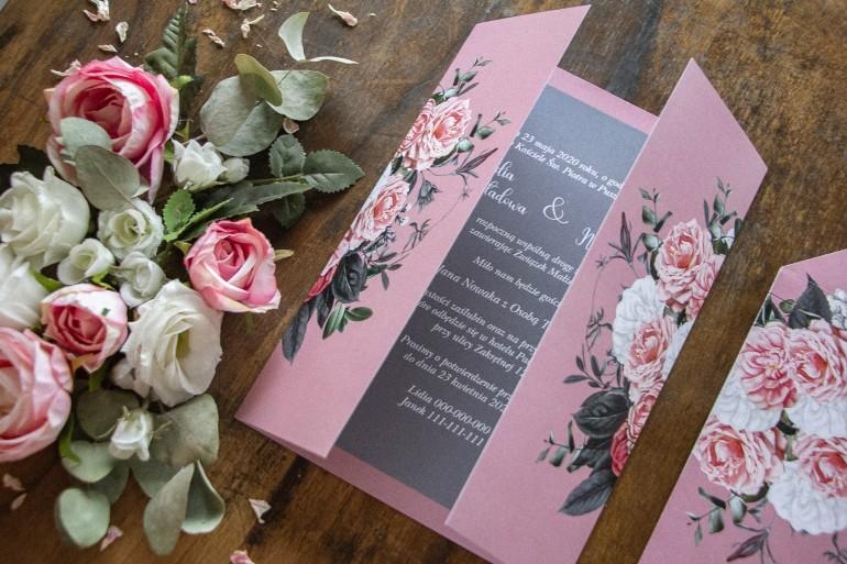 Zaproszenia ślubne w kolorze pudrowego różu z dodatkiem delikatnej szarości