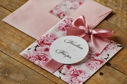 Zaproszenie ślubne z kokardą i kolorową kopertą - Akwarele nr 21 - Delikatne pudrowe goździki