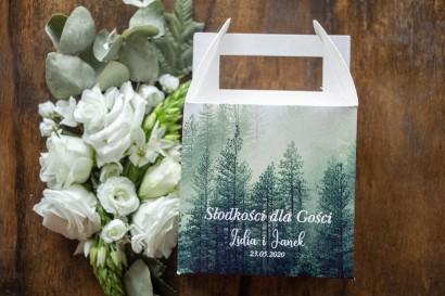 Ślubne Kwadratowe Pudełko na Ciasto weselne z leśnym krajobrazem w odcieniu chłodnej zieleni