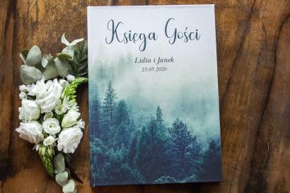 Ślubna Księga Gości z leśnym krajobrazem w odcieniu chłodnej zieleni