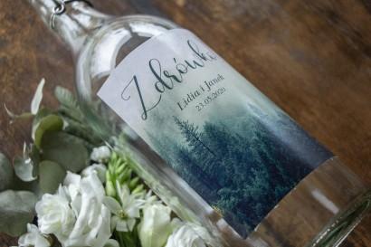 Ślubne Etykiety samoprzylepne na butelki z leśnym krajobrazem w odcieniu chłodnej zieleni