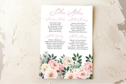 Ślubny Plan stołów z różowymi piwoniami i daliami. Kompozycja uzupełniona zielonymi gałązkami