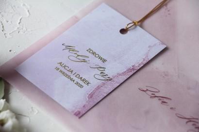 Marmurkowe Ślubne Zawieszki na butelki na alkohol ze złoceniami w odcieniu pastelowego różu