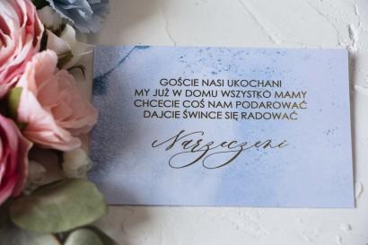Złocony Bilecik do zaproszeń ślubnych w pastelowym, niebieskim kolorze
