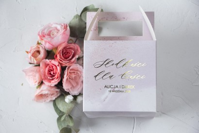 Marmurkowe Pudełko na Ciasto weselne (kwadratowe) ze złoceniem w odcieniu pastelowego różu