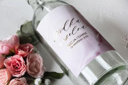 Marmurkowe Etykiety samoprzylepne na butelki weselne na alkohol ze złoceniem w odcieniu pastelowego różu