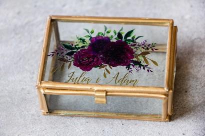 Ślubna Szklana Szkatułka z gałązkami w stylu glamour, motyw bordowych piwonii z zielonymi gałązkami