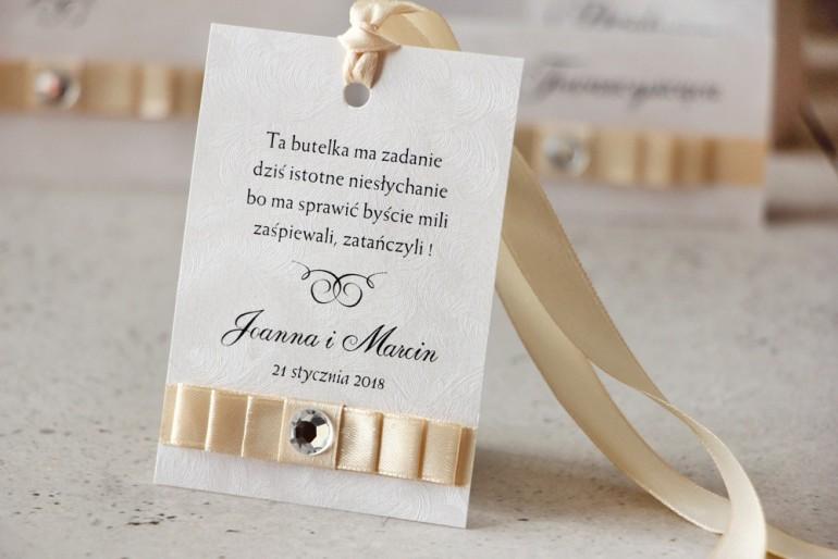 Zawieszka na butelkę, wódka weselna, ślub - Amaretto nr 1 - Klasyczne ecru na papierze perłowym