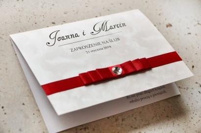 Zaproszenie ślubne z kokardką i cyrkonią - Amaretto nr 2 - papier perłowy z czerwoną kokardką
