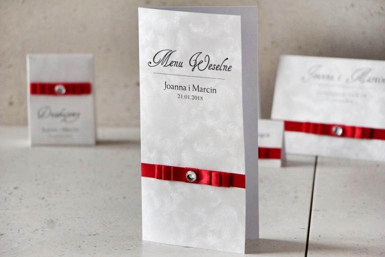 Menu weselne, stół weselny - Amaretto nr 2 - Papier perłowy z czerwoną kokardką i cyrkonią