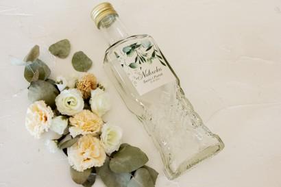 Ślubne Butelki na nalewki - Podziękowania dla Gości. Etykieta z nadrukiem liści eukaliptusa