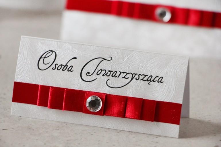 Winietki na stół weselny, ślub - Amaretto nr 2 - papier perłowe piórka, eleganckie, klasyczna czerwień, z cyrkonią