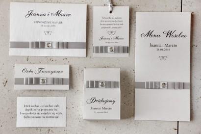 Zaproszenie ślubne z dodatkami - Amaretto nr 3 - Srebrna kokardka z cyrkonią, papier perłowy