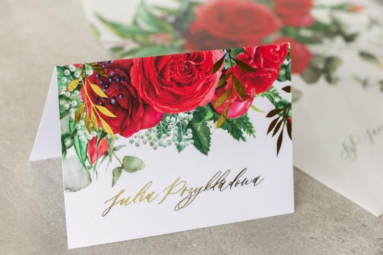 Kwiatowe Winietki ślubne w stylu glamour ze złotymi gałązkami i bordowymi różami