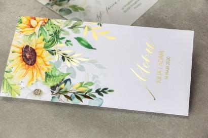 Menu weselne ze złotymi gałązkami i słonecznikiem, idealne na ślub latem