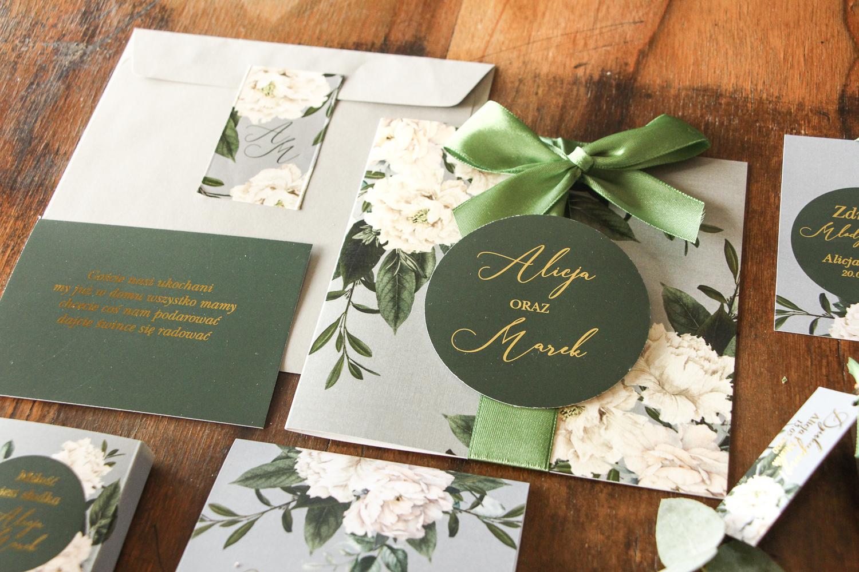 Kwiatowe zaproszenia ślubne z kokardą z kolekcji Soreli