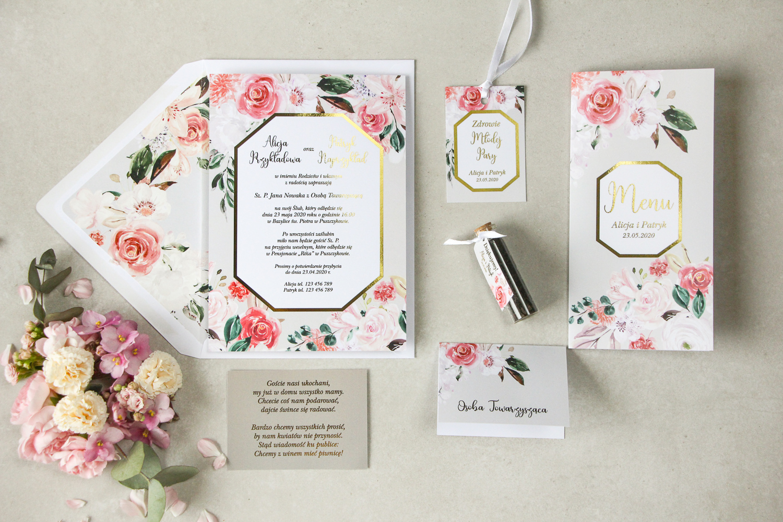 Kwiatowe zaproszenia ślubne z geometrycznym motywem