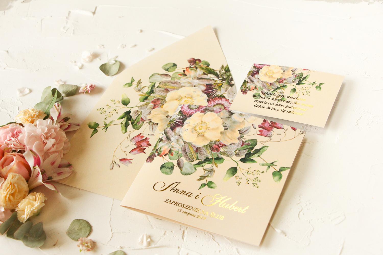 Kolekcja Szafirowe, czyli zaproszenia ślubne ze złoceniem i kwiatami