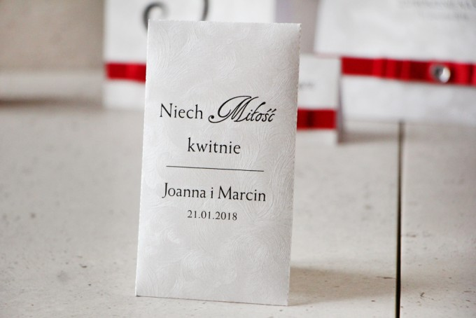 Podziękowania dla gości w formie nasion z kolekcji Amaretto